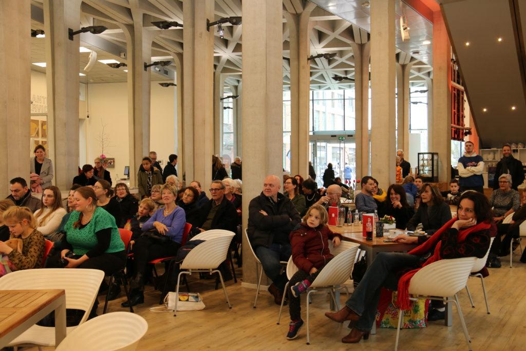 Publiek in De Cultuurfabriek